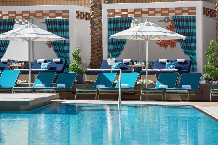 las-vegas-pool-cabana